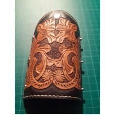 Ключница с коричневая тиснением ручной работы